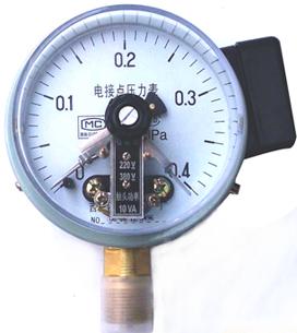 电接点压力表的电气线路接妥后